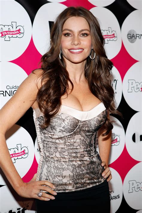 sofia freeones sofia vergara showing awesome cleavage at the 50 most