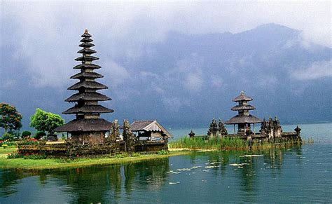 top   visit places  bali indonesia travel guide