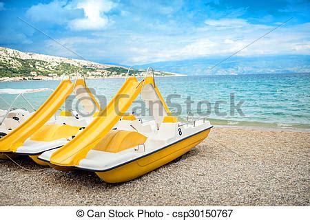 bootje plezier exotische plezier zet op het strand vakantie gele