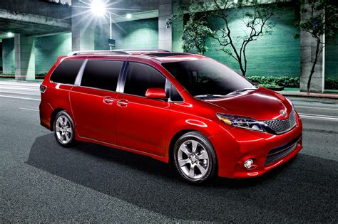 toyota vans 2017 toyota sienna reviews and rating motor trend