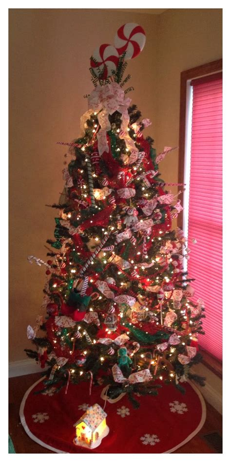 christmas tree themes color schemes dot com women 97 best christmas trees images on pinterest christmas