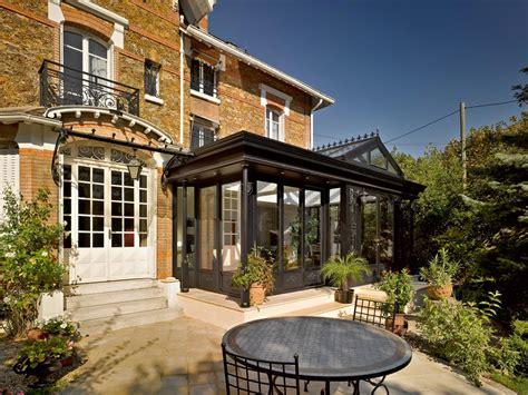veranda villa une villa v 233 randa sur un pavillon en meuli 232 res les
