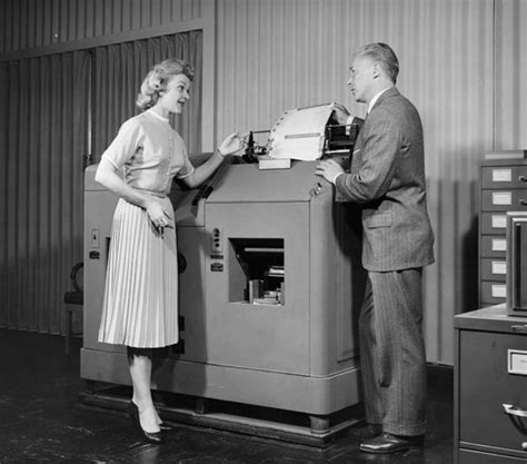 segretarie in ufficio foto segretarie vintage simbolo di un epoca 13 di 26