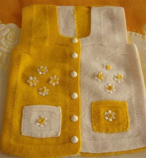 kz bebek rg modelleri rnekleri en gzel hrka modeli kz i rgs sar beyaz iki renkli ok gzel kz bebek yelei dantel