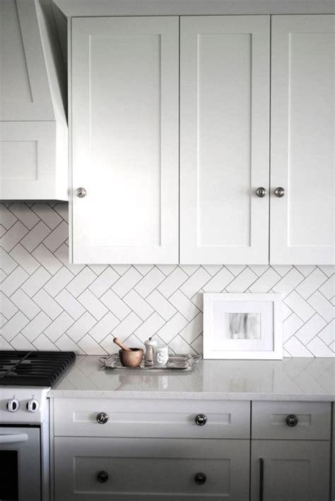 Thick Kitchen Glasses 25 Best Ideas About Herringbone Backsplash On