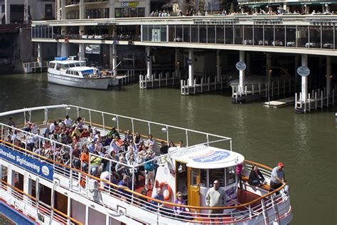 shoreline first to offer chicago architecture tour in - Chicago Architecture Boat Tour In Spanish