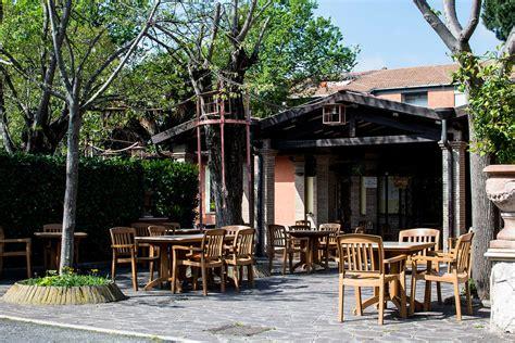 pizzeria con giardino pizzeria con giardino roma casamia idea di immagine