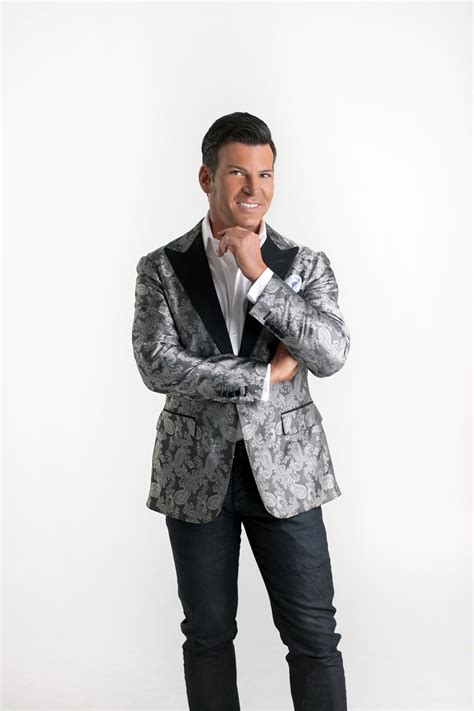 David Tutera Wedding Giveaway - interview with celebrity wedding planner david tutera