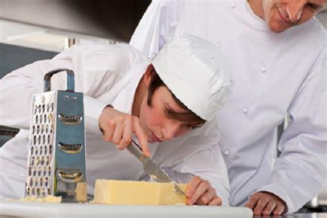 offerte di lavoro cameriere vitto e alloggio apprendista estero vitto alloggio archivi thegastrojob