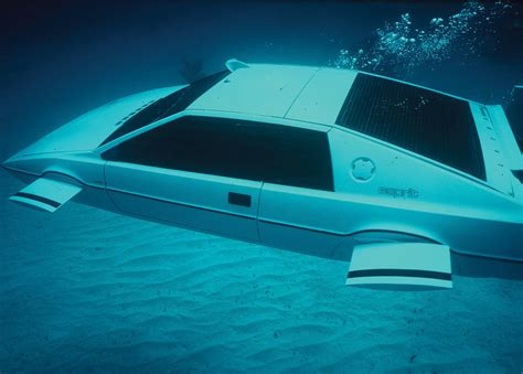 elon musk james bond tesla ceo elon musk buys james bond s lotus submarine car