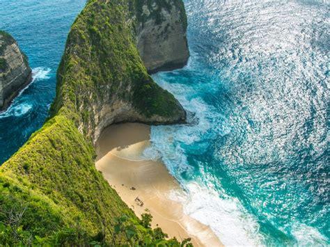 paket wisata labuan bajo  bali indowalk