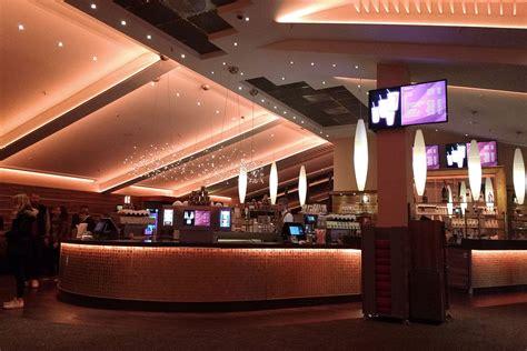 foyer kino ein abend im astor grand cinema hey hannover