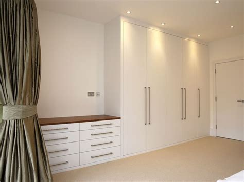 Fitted Wardrobe Drawers by Best 25 Built In Wardrobe Ideas On Bedroom