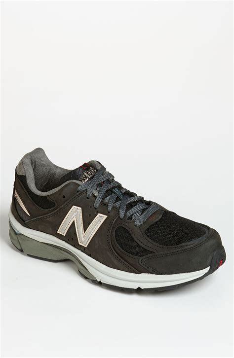 new balance heritage collection running shoe in black