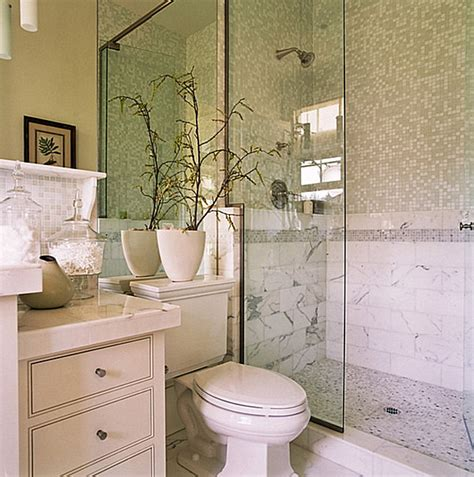 how to decorate small bathroom how to decorate a small bathroom