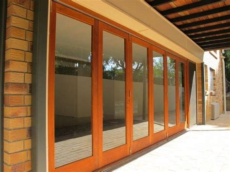 porte a scorrimento esterno caratteristiche delle porte scorrevoli le porte quali