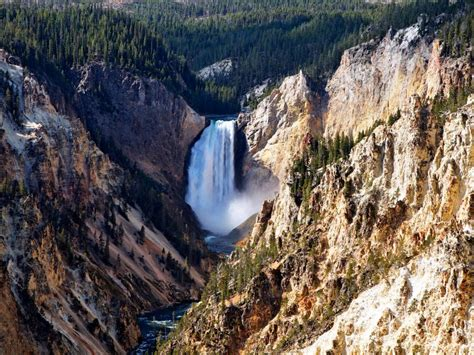 yellowstone national park explore yellowstone national park travelchannel