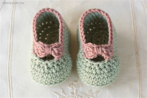 baby crochet shoes free pattern crochet baby slippers pattern free crochet and knit