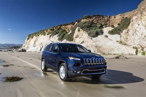 Where Are Jeep Cherokees Made China Made Jeep Rolls The Assembly Line