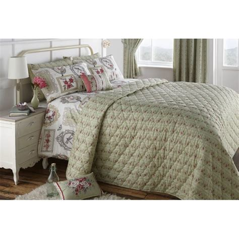 Green Quilted Bedspread Dreams N Drapes Pretty As A Picture Green Quilted Floral