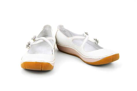 Most Comfortable Athletic Shoes For Nurses by Comfortable Nursing Shoes Can Make You Efficient At Work