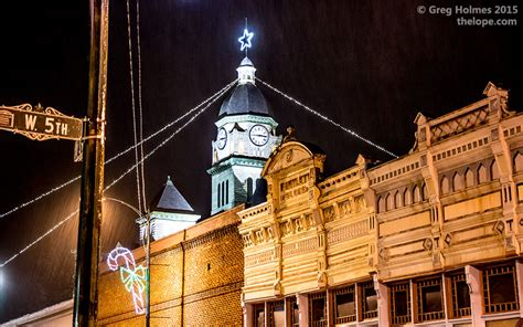 carthage mo lights santa chats with on the jasper county court house