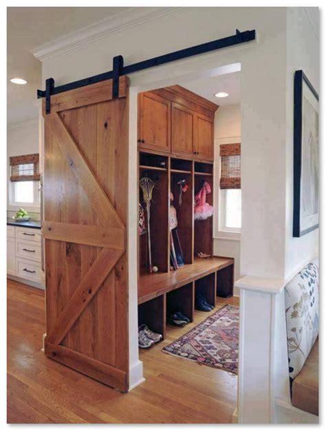 Roda Kaca Gantung Minimalis Bulat Untuk Pintu Sliding Pintu Geser pintu geser solusi untuk menghemat ruang pada rumah minimalis desain rumah unik