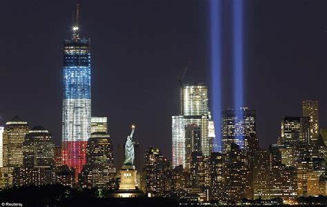 9 11 commemoration manhattan skyline lit up with