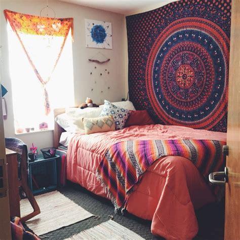 target college bedding my dorm at uncw comforter from target baja blanket from