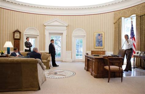 oval office layout the white house oval office kids britannica kids