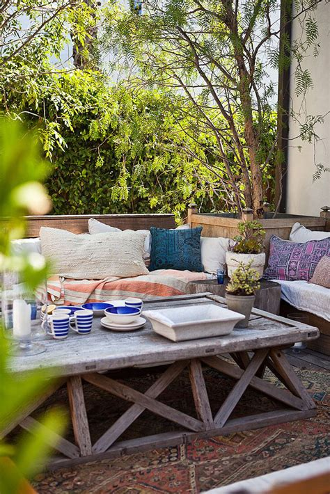 patio space 10 favorite outdoor dining spaces glitter inc glitter inc