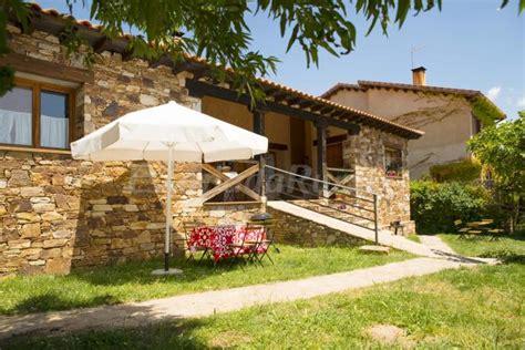 fotos de apartamentos la posada casa rural en montejo de la sierra madrid