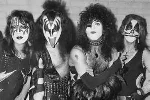 Top 10 kiss songs of the 1970s