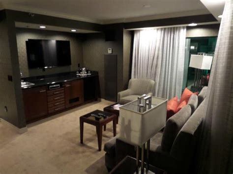 one bedroom suite new york lounge luxury suite picture of new york new york hotel and casino las vegas tripadvisor
