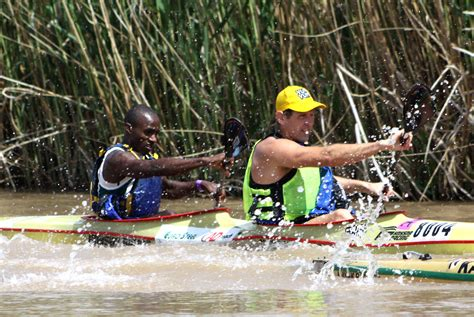 dragon boat racing johannesburg unlikely duo join 2016 fnb dusi title chase icf planet