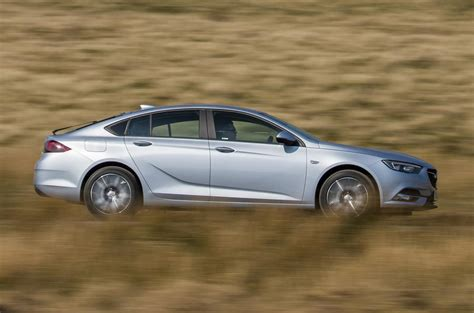 vauxhall insignia grand sport 1 6 turbo d 110 2017 review