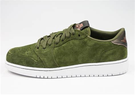 Tas Ransel Nike Summer 02 Grade Original air 1 low swooshless legion green sneakernews