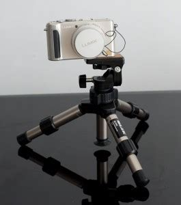 Tripod Untuk Kamera Slr hadiah untuk pembaca mini tripod gratis persembahan dari info fotografi
