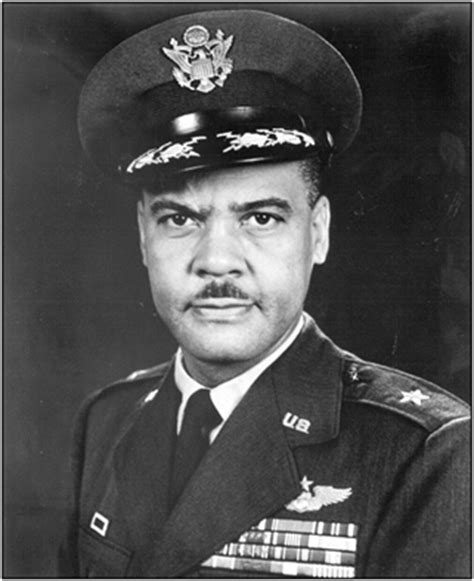 Q Q M132 006 Grey Army tuskegee airman goes on to become air