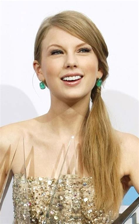 profile and biography of taylor swift taylor swift biography profile pictures news