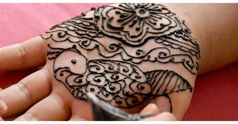 how to get off henna tattoos are henna tattoos safe popsugar fitness
