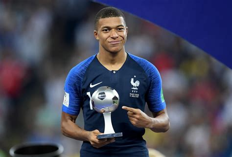 kylian mbappé et alicia aylies kylian mbappe biography age parents salary stats