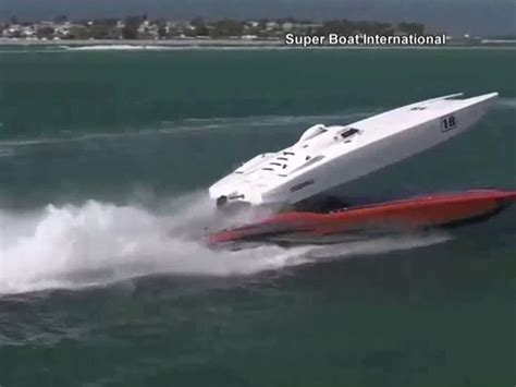 cigarette boat racing flip powerboats crash during key west world chionship boat