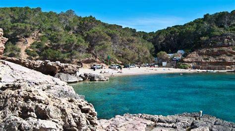 playa de nudistas en ibiza 18 baluart videoroll cala salada y cala saladeta mejores playas del mundo
