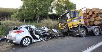 new car collision us and killed in new zealand car crash