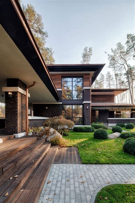 a frank lloyd wright style home all the way in
