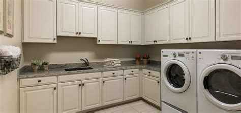 Large Laundry Hers 25 Best Ideas About Large Laundry Rooms On Farmhouse Laundry Rooms Washing