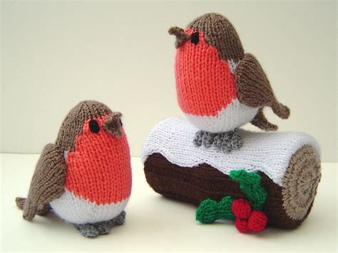 knitting pattern christmas robin knitted christmas tree decorations uk holliday decorations
