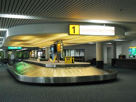 baggage claim fai airport 16 yo necesito ir al reclamo de equipaje y consigo mis