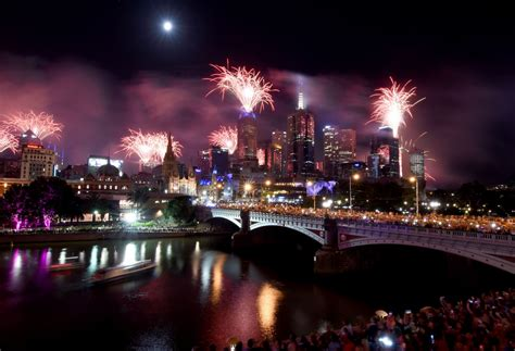 new year 2018 melbourne crown australia welcomes in 2018 in dazzling style with minor